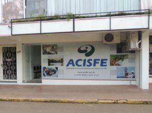 Rua Pedro Noll, 348, sala 02, Centro / Feliz.  (Entre as lojas Confraria da Mulher e Olga Cortinas)