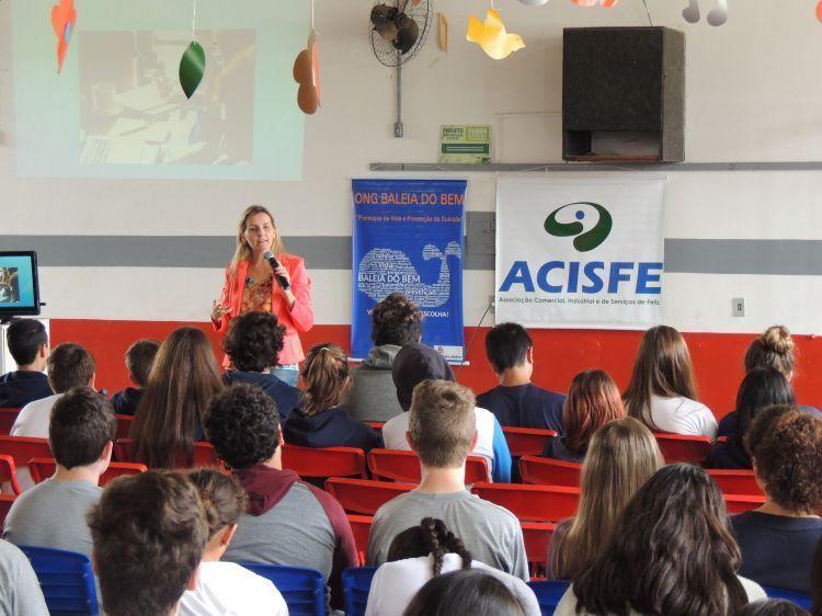 Projeto Mentes Empreendedoras nas escolas teve apoio do Fundo Social SICREDI PIONEIRA